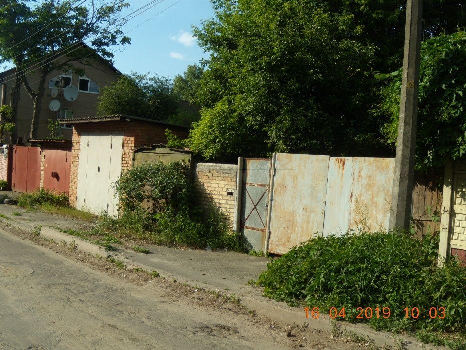 Продам ? пол дома, г. Киев                               в р-не Сырец возле м. <strong>Дорогожичи</strong>                                  фото